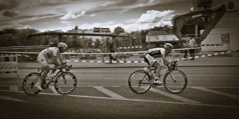 Zwei Radrennfahrer
