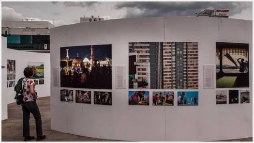 Fotoausstellung auf dem Alexanderplatz - Foto: h|b