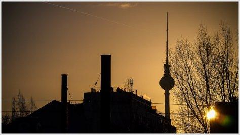 Sonnenaufgang am Nordbahnhof in Berlin - Foto: h|b