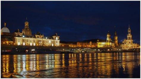 Blaue Stunde am Elbufer in Dresden - Foto: h|b