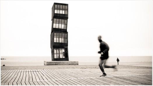 Jogging am Kunststrand von Barcelona - Foto: h|b