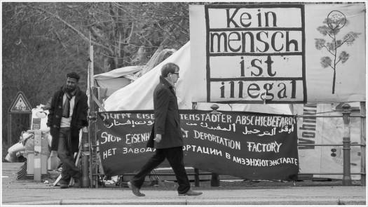 Das Zeltlager der Asylbewerber auf dem Oranienplatz in Kreuzberg - Foto: h b