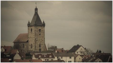 Die Kirche im Dorf lassen - Foto: h|b