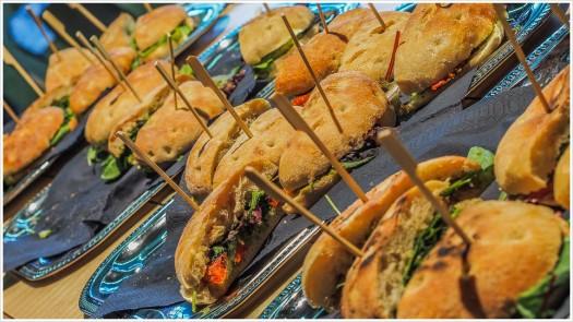 Leckerer Snack vor der Erkundung des Olympus Playgrounds - Foto: h b