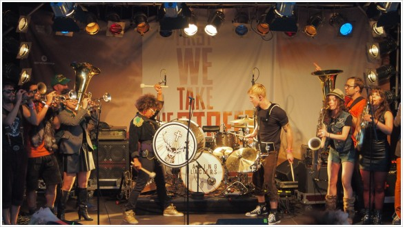 Die Jägermeister-Show-Band an der Spree - Foto: h|b