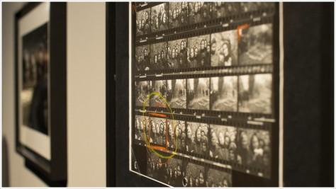 Die Auswahl des besten Bildes mittels Textmarker auf dem Kontaktbogen - Foto: h b