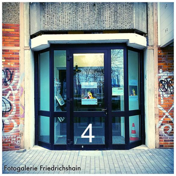 Heute Türchen Nummer 4 - Aktuell: OSTKREUZ CROSSROADS - People Of(f) FhainXberg - Foto: h b
