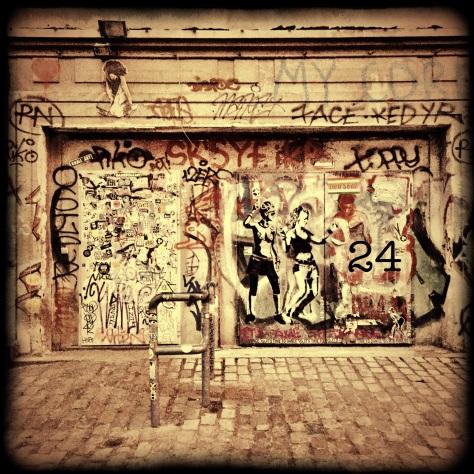 Tür zu einer berühmten Location in Berlin