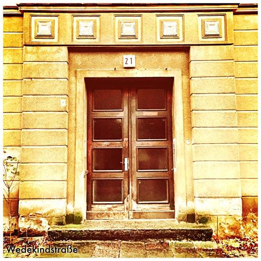 Eingangstür eines Hausesin Berlin