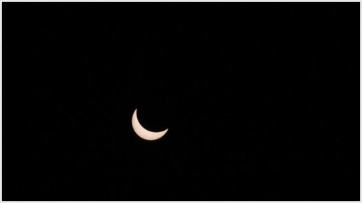 Partielle Sonnenfinsternis um 10.42 (MEZ) - Foto: h|b Olympus OM-D E-M5 - 150 mm | 1/640 | f8 | ISO 100 - Doppelter ND 3