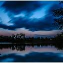 See mit dramatischem Himmel