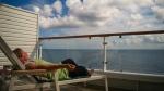 Relaxen auf dem eigen Balkon der MS Century - Foto: h|b