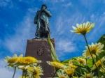 "Statue ""Kong Haakon"" - Foto: h|b"