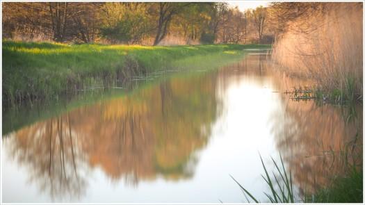 Wassergraben Langzeitbelichtung