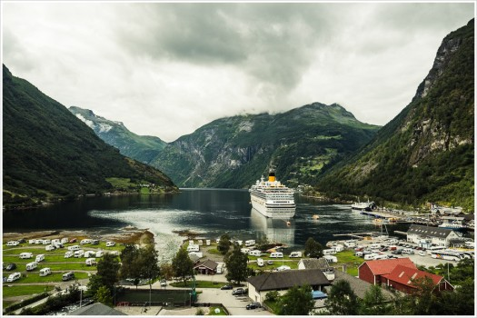 Costa Favolosa im Geirangerfjord