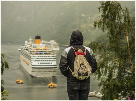 Blick auf Kreuzfahrtschiff