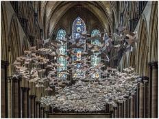 Friedenstauben in der Kathedrale von Salisbury