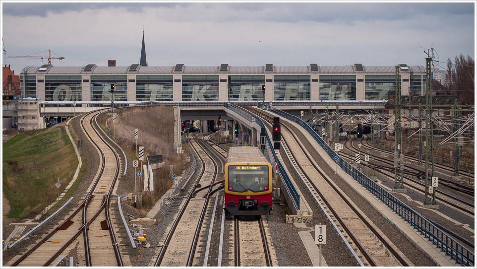 Blick auf den Bahnhof Ostkreuz