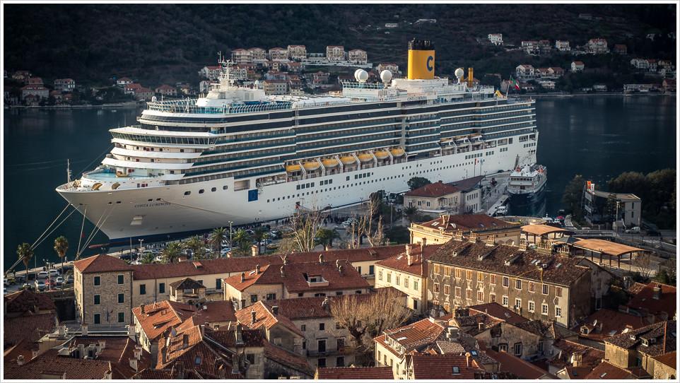 Costa Luminosa in Kotor