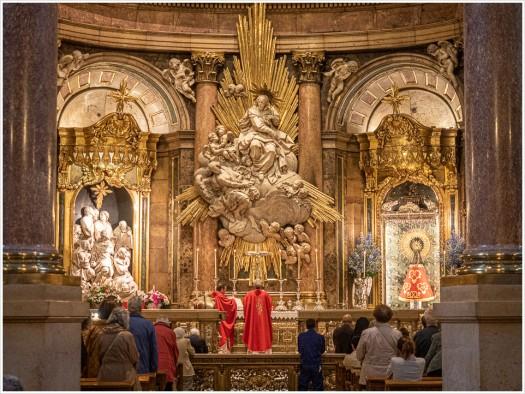 Gottesdienst in der Basílica del Pilar