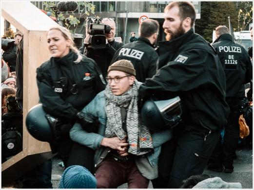 Auflösen der Blockade am Potsdamer Platz