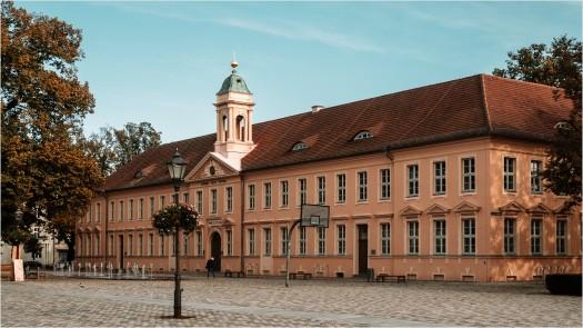 Gymnasium in Neuruppin - Foto: h|b