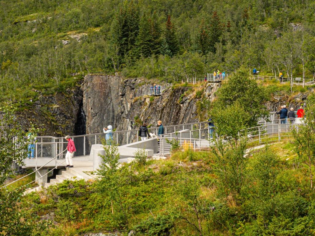 Besucherplattormen am Vøringsfossen