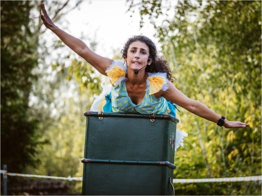Walkperformance mit Clara Rodriguez Garcia Muñoz im Spreepark Berlin