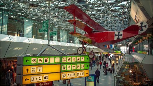 Tripledecker im Flughafen Tegel