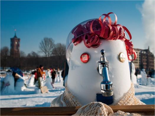Schneemann mit roten Haaren