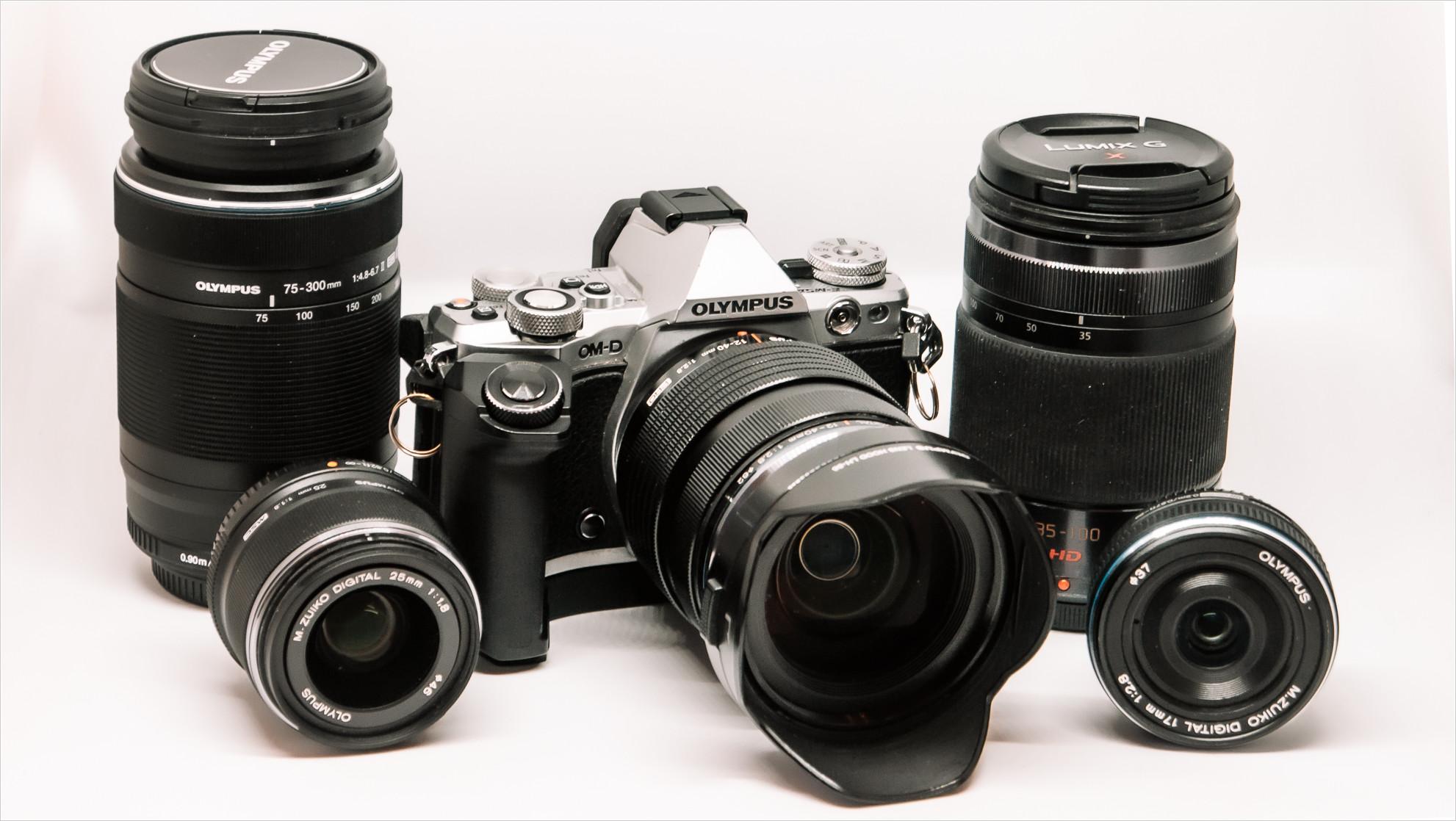 Olympus OM-D E-M5 II mit Objektiven