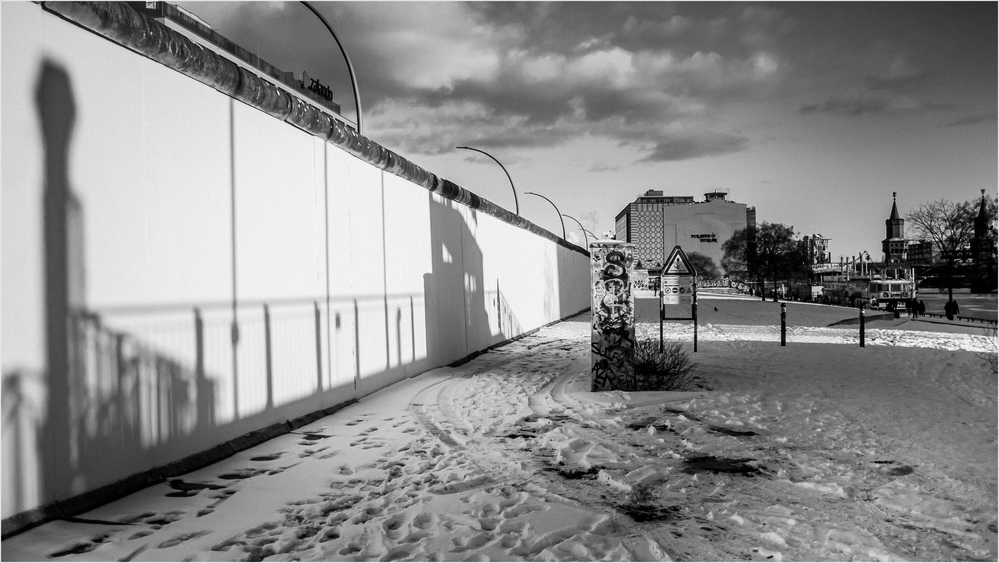 Hinterlandmauer an der Spree