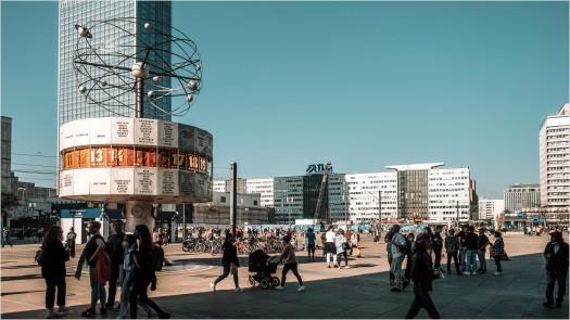 Alexanderplatz mit Weltzeituhr