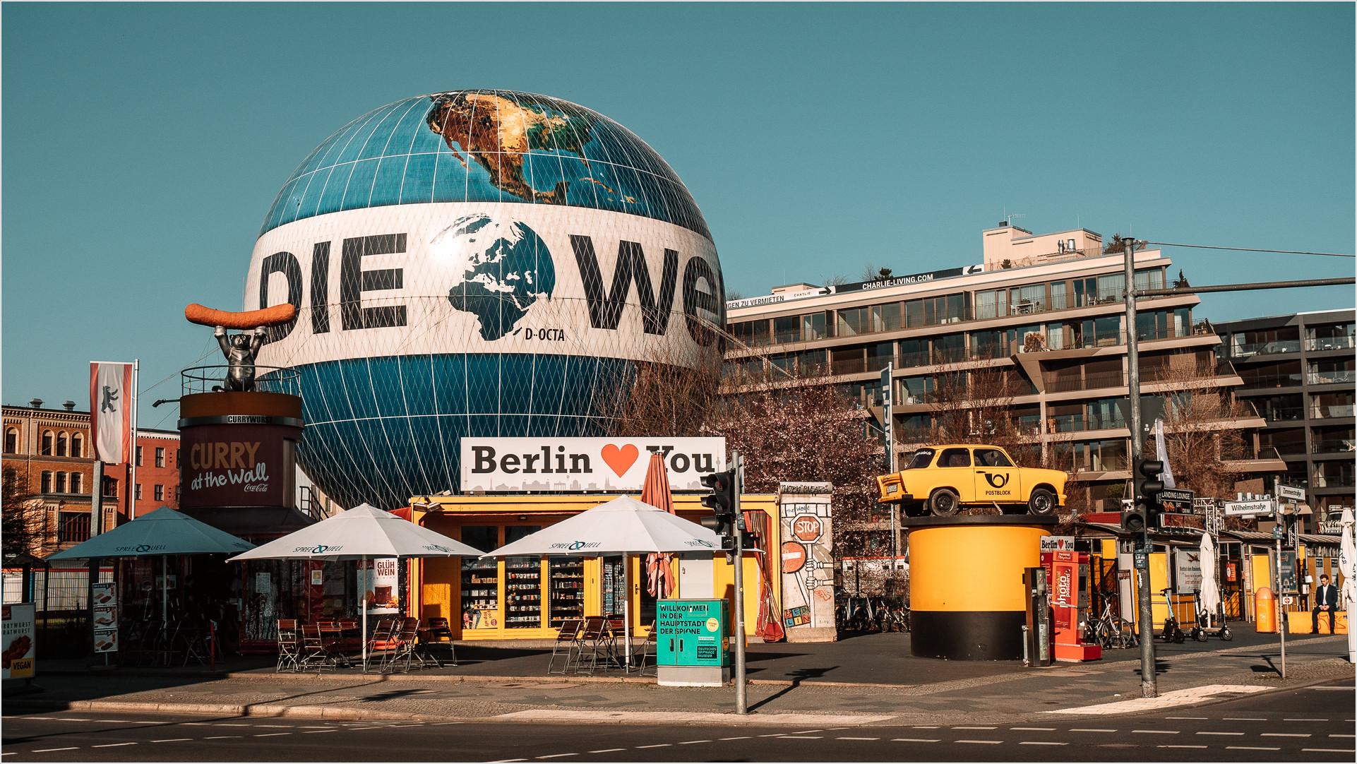 """Der Ballon """"DIe Welt"""" in Berlin"""