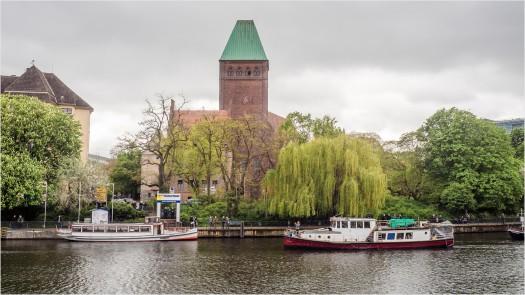 Blick auf das märkische Ufer in Berlin, im Hintergrund das märkische Museum