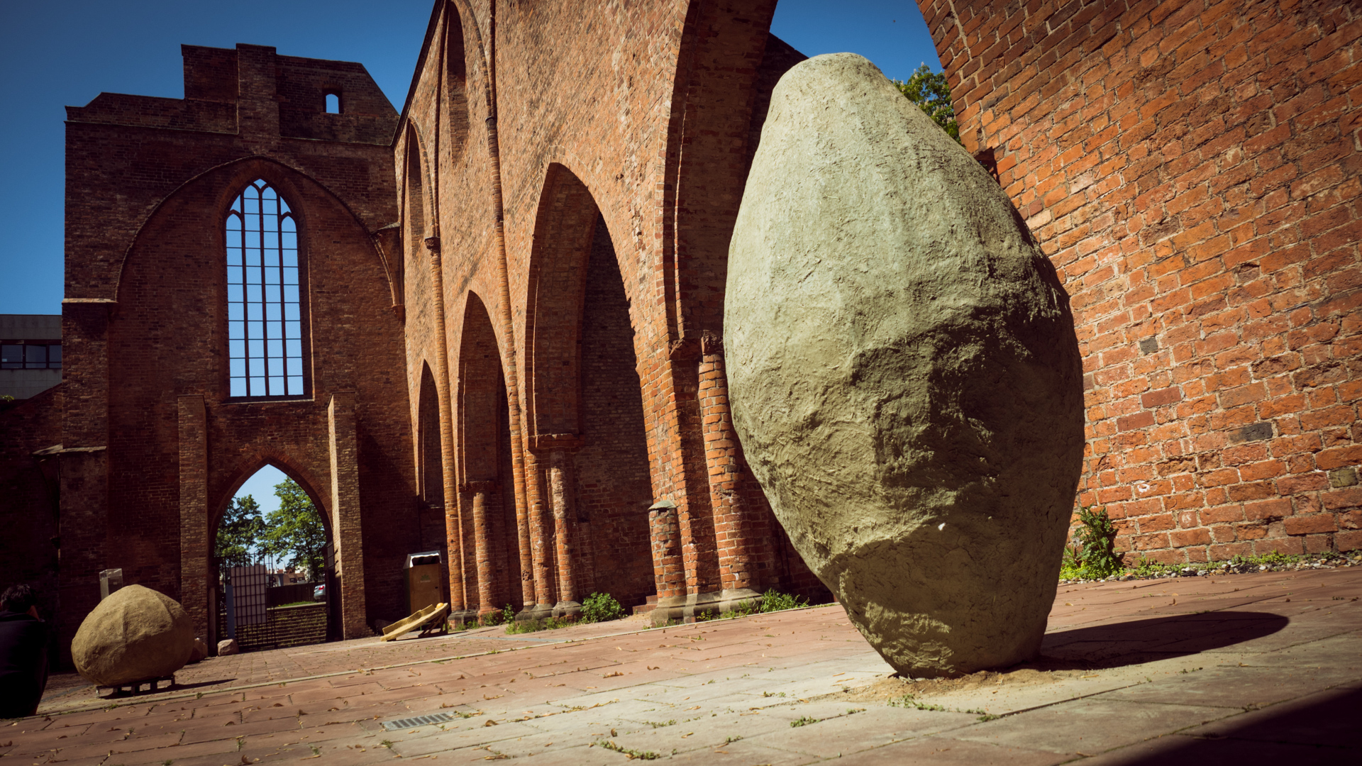 Schlammskulptur in der Klosterruine